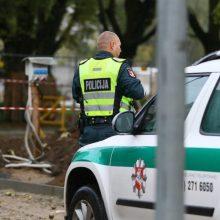 Vilniuje į komisariatą atvežtas vyras užvožė pareigūnui
