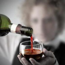 Norite gydytis alkoholizmą? Stokite į eilę