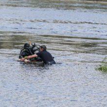 Širvintose iš upės ištrauktas nenustatytos tapatybės skenduolis