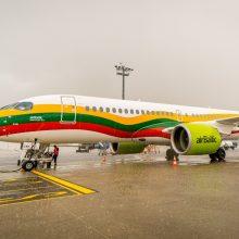 Broliai latviai maloniai nustebino: į Lietuvą skraidys trispalve papuoštas lėktuvas