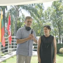 Šventė: Kovo 11-ąją ambasadorius Dainius Junevičius su žmona Asta pasveikino PAR lietuvius Nepriklausomybės Atkūrimo dienos proga.