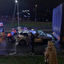 Vilniuje susidūrė šeši automobiliai, sužaloti trys žmonės