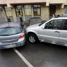 Eismą Kaune trikdė ne tik užsemtos gatvės, bet ir avarijos
