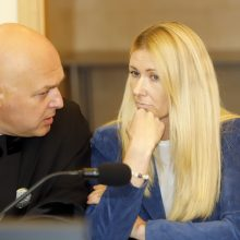 Slaugytojų žūties byla: kaltinamosios advokatas užkūrė teisme pirtį ekspertui