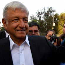 """Meksikos rinkimuose ant kortos pastatyta prezidento žadama """"transformacija"""""""
