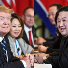 """D. Trumpas patvirtino susitiksiąs su Kim Jong Unu """"tiesiog greitai paspausti rankų"""""""