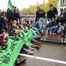 Amsterdame policija sulaikė 130 klimato aktyvistų