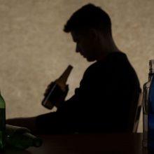 Padauginęs alkoholio šešiolikmetis neteko sąmonės – išvežtas į ligoninę