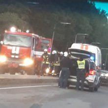 Tragiškas rytas Vilniuje: susidūręs su vilkiku žuvo lengvojo automobilio vairuotojas