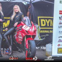 Šeštadienį motociklų lenktynėse – ir lietaus, ir šampano purslai