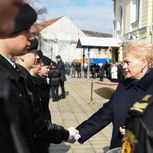 Kaune prezidentė priėmė šeštosios kadetų laidos priesaikas