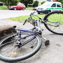 Kaune nuo skardžio nugarmėjo dviračiu važiavusi moteris