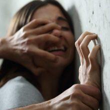 Siaubas: ankstų rytą darželio teritorijoje užpulta ir išžaginta moteris