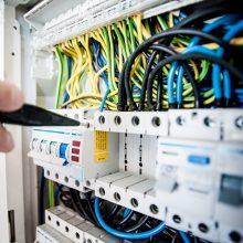 Elektros tinklai daugiabučiuose namuose: ką būtina žinoti gyventojams