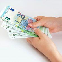 Siūlo kompensuoti 2010-2011 metais netektas pajamas už ypatingas darbo sąlygas
