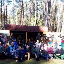 Gausa: Ežerėlyje apylinkėse surengti teatralizuoti, daug jaunimo pritraukę rekonstrukciniai žygiai į Papiškio partizanų stovyklavietę ir atstatytą bunkerį.