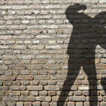 Po stipraus smūgio atsipeikėjęs jaunuolis suprato, kad buvo apvogtas