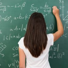 Pedagogai pasipiktinę nauja tvarka, bet skundų nerašo