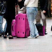 Darbas užsienyje traukia vis mažiau: įsisukę Lietuvoje svetur nebesižvalgo