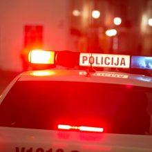 Neblaivus septyniolikmetis Raseiniuose pavogė sugėrovo automobilį