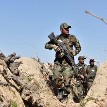 NATO sąjungininkės sutarė iki gegužės 1-osios pradėti pajėgų išvedimą iš Afganistano