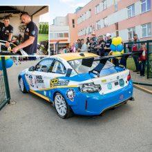 Iš lenktynių trasos – rūpintis kraštiečių automobiliais