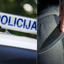 Kruvinas nusikaltimas Kaune: gatvėje peiliu sužalotas vyras, ieškomi įtariamieji