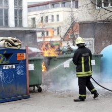 Perspėjimas: daug konteinerių vėl virs ugnies fakelais – patraukite automobilius!