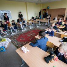 Siūlo, kad valstybė galėtų finansiškai skatinti gabiausius mokinius