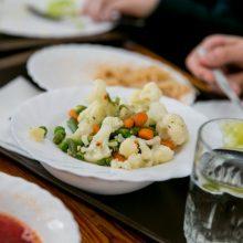 Ministerija atnaujina mokyklų valgiaraščius: tarp patiekalų – egzotiškai skambantys