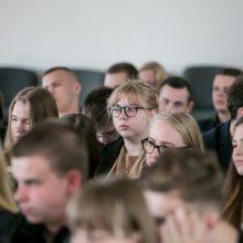 H. Kunčius sugrįžo į mokyklą: žmonės, gyvenantys rašymu, tikrai neišnyks