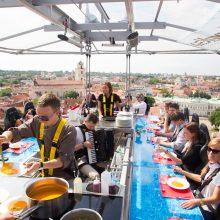 Dangaus restorano pietūs – su sukčiavimo prieskoniu
