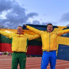 Lietuvos sportininkai kovos su varžovais ir karščiu