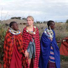 Svečiuose pas masajus: kiek karvių kainuoja baltoji moteris