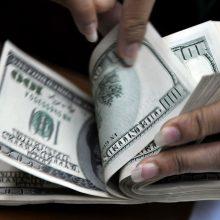 Turtingiausias Afrikos žmogus išsigrynino 10 mln. JAV dolerių, kad į juos pažiūrėtų
