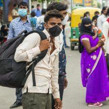 Indijos ligoninės dėl COVID-19 pacientų antplūdžio artėja prie pajėgumų ribos