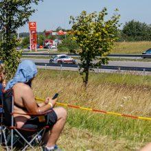 """""""Aurum 1006 km"""" lenktynėse – avarija: pirmavęs """"Porche"""" traukiasi iš kovos"""