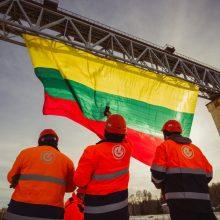 """Lietuvos geležinkeliai"" vėl išradingai sveikina Lietuvą"