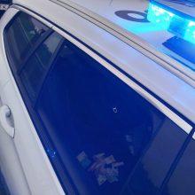 Girtas vairuotojas Kauno pareigūnams siūlė 395 eurų kyšį