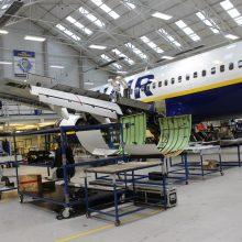 """Pasitikėjimas: Kauno oro uosto pašonėje įsikūrusi Airijos aviakompanijos """"Ryanair"""" antrinė uždaroji akcinė bendrovė """"Kaunas Aircraft Maintenance Services"""" buvo antroji detalų """"Boeing"""" remontą atliekanti """"Ryanair"""" įmonė pasaulyje."""