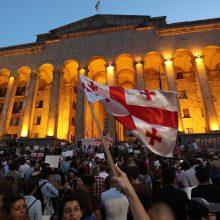Sakartvele šeštą dieną iš eilės tęsėsi protestai prieš vyriausybę