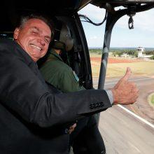 Nepaisant tūkstančių COVID-19 aukų, Brazilijos prezidentas atmeta karantiną