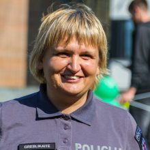 Policijos siurpizas ligoniukams – jodinėjimas žirgais Klinikose