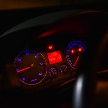 Metų eksperimentas: automobilis pustrečios valandos važiavo be lašo alyvos