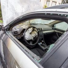 "Policija tiria, kas Kaune padegė ""Volkswagen"""