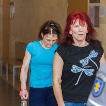 Tragikomedija teisme: recidyvistės pavertė nuosprendžio paskelbimą cirku