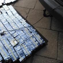 Kontrabandininkai rūkalus slėpė mašinoje ir čiužiniuose