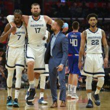 """NBA: """"Grizzlies"""" pralaimėjo, J. Valančiūnas patyrė traumą"""