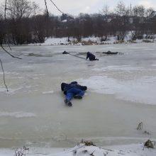 Dangės ledas neišlaikė žvejų