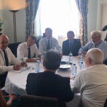 Irano ministras G-7 kuluaruose susitiko su E. Macronu
